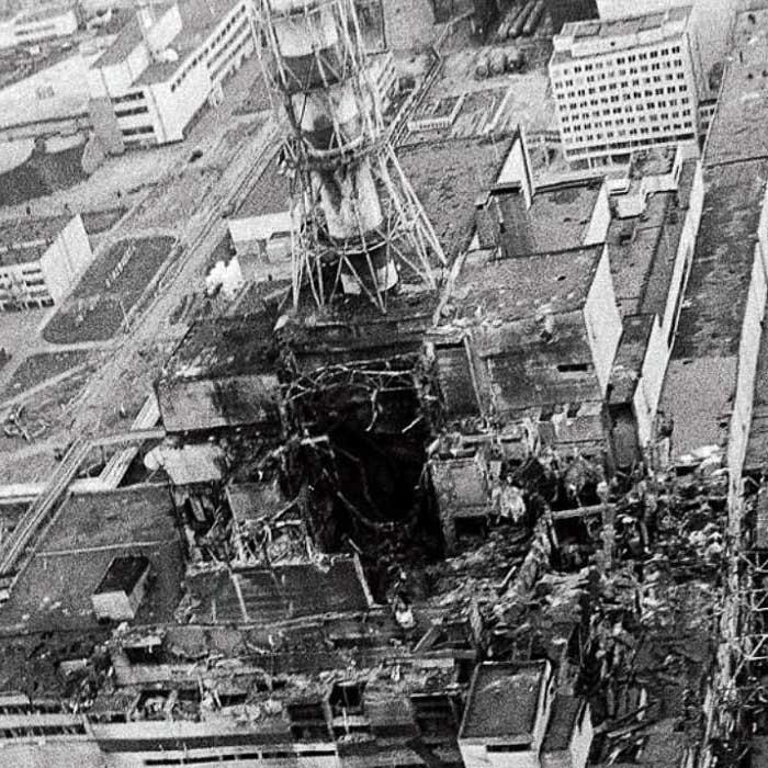 Четвертий реактор Чорнобильської АЕС після вибуху