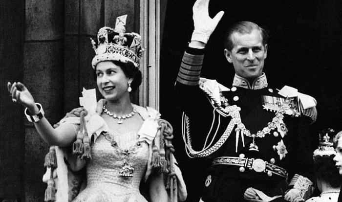 Єлизавета II і герцог Единбурзький на балконі Букінгемського палацу