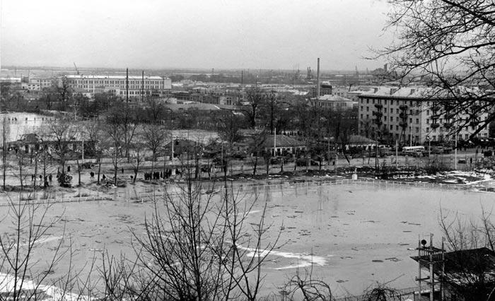 Cтадіон «Спартак» (нинішня адреса - Кирилівська, 105) після катастрофи, 13 березеня 1961 року