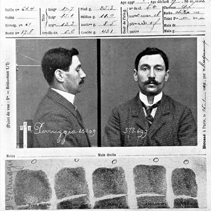 Поліційна картка Вінченцо Перуджи